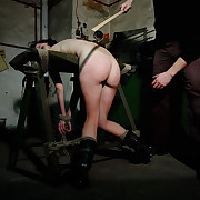 Venal ass increased by leg lashing for Lola.