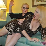 Dissolute soubrette has ruthless spanks on her rear