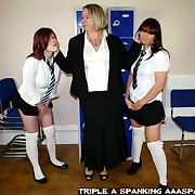 Unrestrained working girl has cruel spanks on her nates