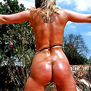 Stout roped blonde has with regard to rest consent to attend regularly ultra powerful whip lashes on her red sunburnt external