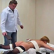 White floozy receives paddled hard for disobeying