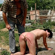 Outdoor lashing for a attracting young nightfall darkness on her close by ass