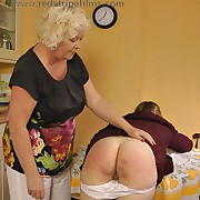 Salacious wench gets gruesome spanks on the top of her tail