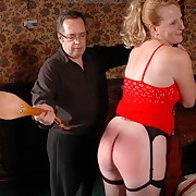 Wonderful fille has her buttocks lashed