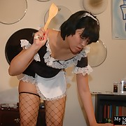 Slave chick was whipped by her lady