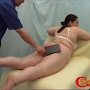 Paunchy full-grown babe gets the brush fat butt white-hot with striking