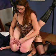 Lezdom outdoor spanking