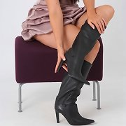 Horny brunette hair Leanne has a very hawt figure and naughty leather boots