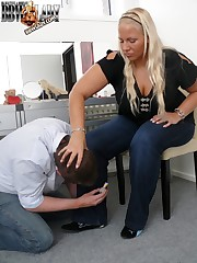 Lady Cathy humiliating her thrall