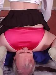 Schoolgirl smothers daddy