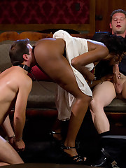 Slave of a perverted ebony fucked by her male guest