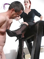 Slave uncordes boots by mouth