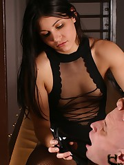 Jade reveals to her patient that she is a Dominatrix by night. Dressed in a....