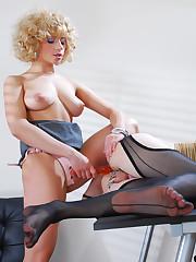 Kinky femdom therapy