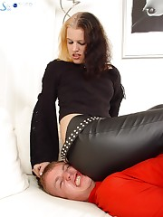Gothic babe sat on slave's face