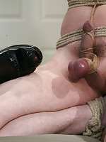 Mistress ties man to her bedpost and has her way with him.