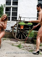 Two chicks in whipping fight