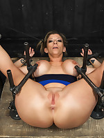 Orlando deserts in torment astounding flexible MILF Sara Jay involving sybians, hand judged fucking machines, gut bondage, with an increment of his specialty PAIN!