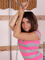 Rayna vs. The Hanging Chain