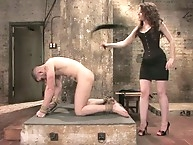 Read head female gets fuck and pull ball
