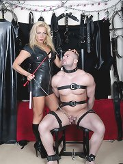 Uk Mistress wears latex