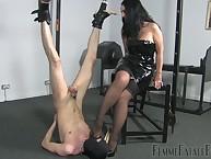 Hanging slave worshipping mistress' brown-nose