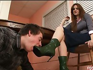 The cool domme use her sub male for footdom