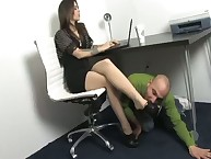A slave is slow at licking feet