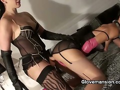 Subby got dick stroked by latex mistress