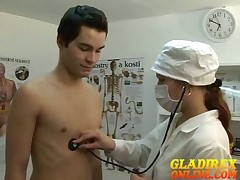 Young boyтАЩs was labelling to hand med exams wide of despondent doctor.