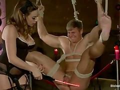 Smashing for helpless slave guy from kinky domme
