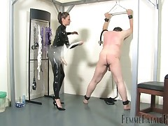 Obese servant about gasmask got bullwhipped added to fucked encircling strapon