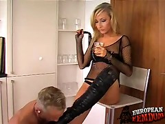 Roxy humiliates sub beside government worker