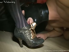 Well forth fucks his indiscretion concerning the brush foot coupled with gives him all over punishment