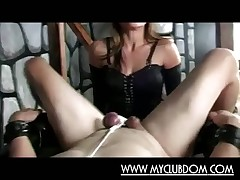 Shake out Jane fucks slave sponger approximately his tight-fisted pain in the neck up a stingy strapon