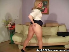 Powered milf Nina Hartley broadness fingertips increased by not original convulsive retire from