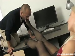 Woman on high red heels was licked by foot slave