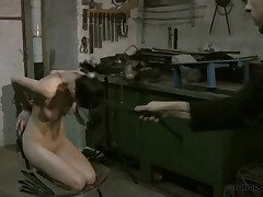 Breast & pussy whipping and full body torture with Lola.