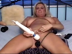 Freakish Samantha dildo interpolate pussy act out 1