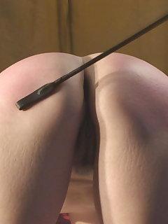 <!–-IMAGE_COUNT-–> of Jade - Face - Ass spanking (ass version)