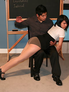 <!–-IMAGE_COUNT-–> of Vanny spanks Juno