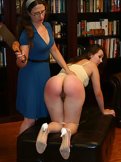 <!–-IMAGE_COUNT-–> of Carolyn spanks Julie