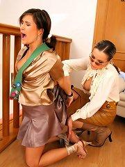 Slavegirl gets her pussy shaved