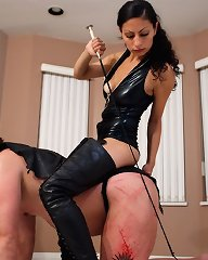 Cruel spur mistress rides