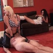 The mistress sat on naked` male face