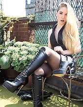 Worship Mistress Sidonia`s Boots