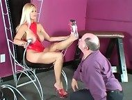 Adoring Brooke\'s heels