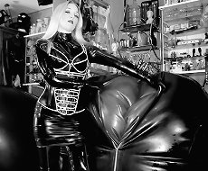 Heavy Rubber Play with Mistress Sidonia